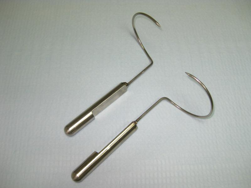 Agujas para colocación de banda suburetral tipo transobturador | Materiales | Unidad de Urología y Endoscopia para la mujer